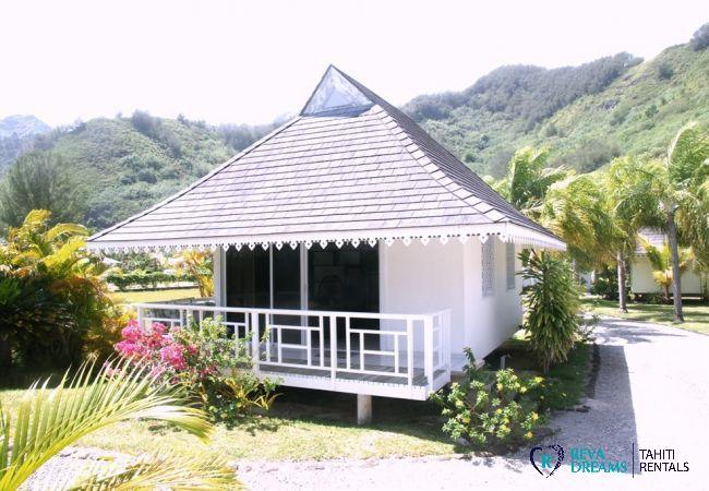 Bungalow in Tiahura - MOOREA - Villa Kahaia Beach 5 pax