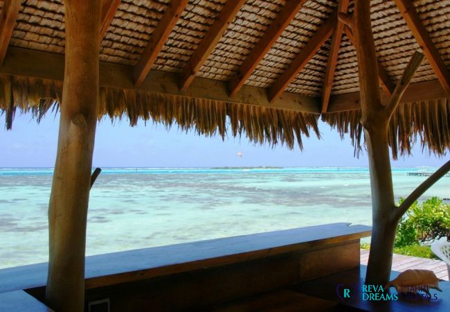 Breath-taking view of the lagoon from the outdoor bar at Villa Teareva Dream holiday rental, Moorea