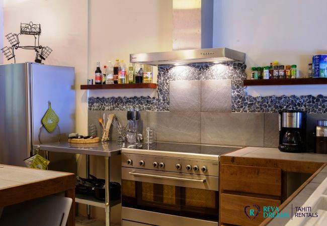 Modern kitchen in The Villa Tehere Dream holiday let on Tahaa tropical island