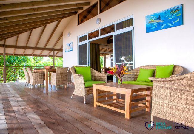 Terrace, outdoor relaxation area, Villa Tehere Dream paradise holiday home on Tahaa island