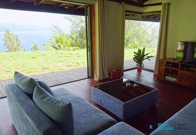 Living room in the Villa miti natura, family holidays, seasonal rental on Tahiti island, French Polynesia