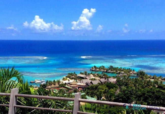 Vue sur le lagon de Moorea à la Villa Fetia Dream, pour une location de vacances de rêve en Polynésie Française