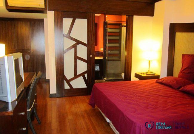 Chambre double du Duplex Matavai, location de vacances à Tahiti, Polynésie Française