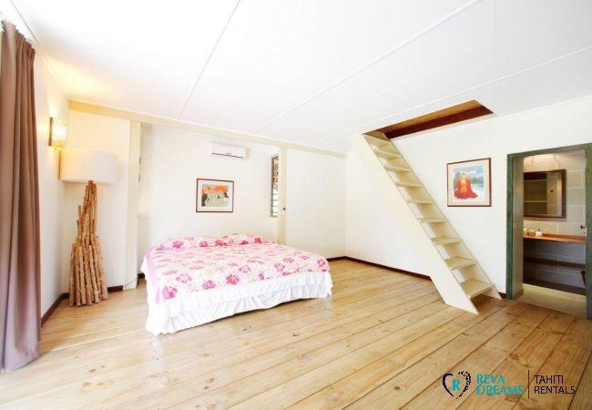 Chambre pour 2 personnes à la Villa Miki Miki Dream, avec salle de bain, séjours sous les tropiques à Moorea