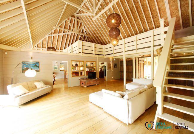 Salon de la Villa Miki Miki Dream, pour location de vacances à Moorea, Polynésie Française