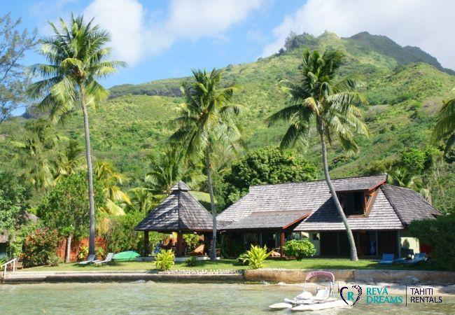 Vue villa de la mer - Fare Ava'e & Mahana - Villa Poerani - Moorea - Tahiti In Style - Polynésie française
