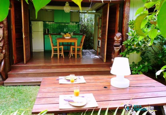 Espace repas - Fare Ava'e & Mahana - Villa Poerani - Moorea - Tahiti In Style - Polynésie française