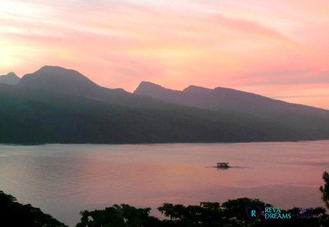 Coucher du soleil spectaculaire, Villa miti natura location de vacances , sur l'île de Tahiti, Polynésie Française