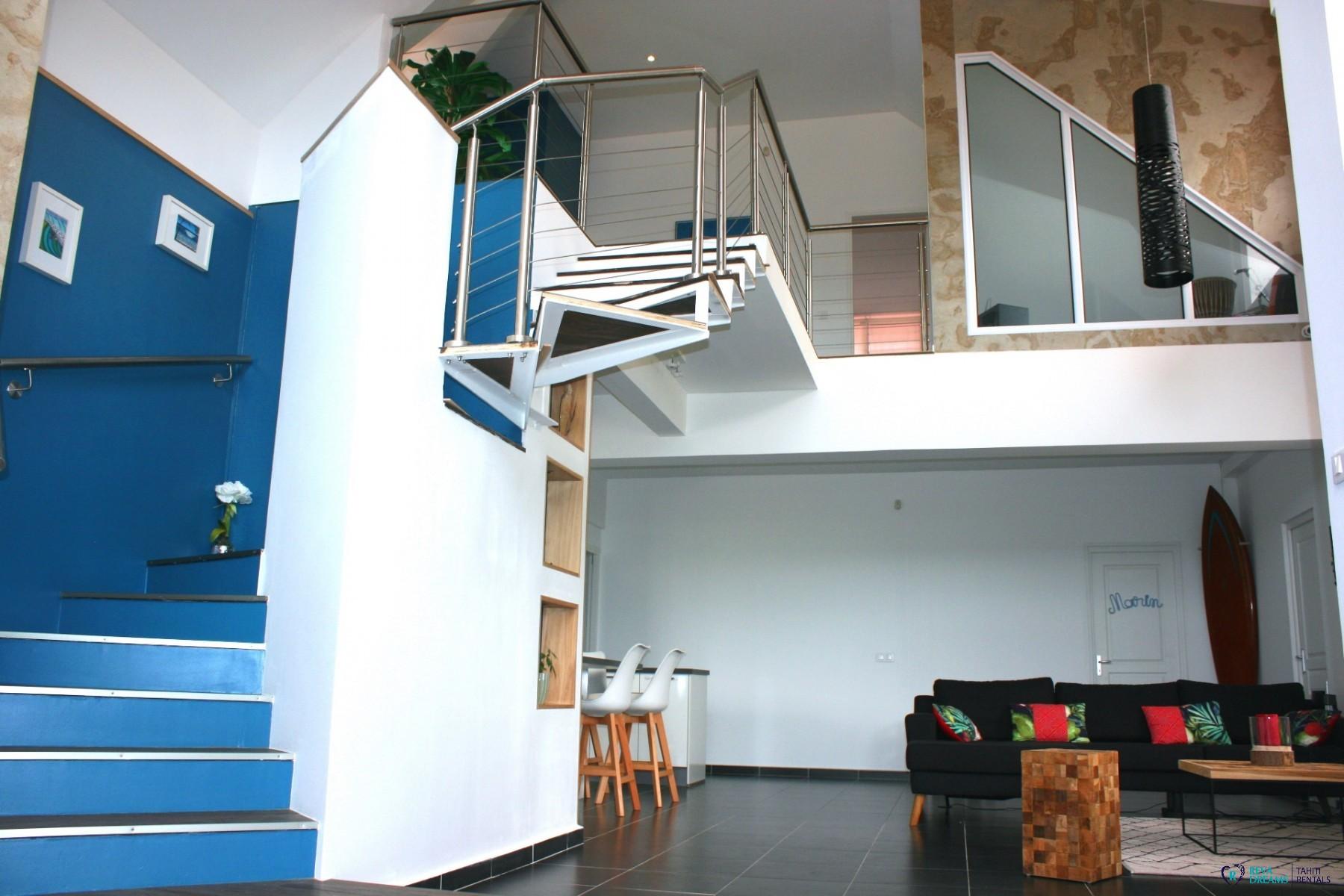 TAHITI   Loft Calypso Pirae | Appartement. Spacieux Salon Duplex Avec Des  Intérieurs Modernes Et élégants. Parfait Pour Des Vacances En Polynésie ...