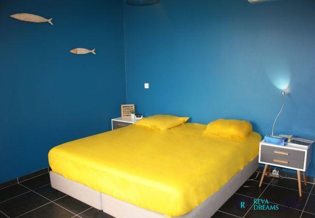 Loft Calypso chambre 2, décor d'inspiration plage, idéale pour location de vacances sur Tahiti.
