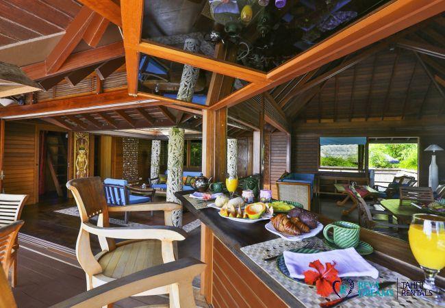 Petit déjeuner, Villa Varua Dream location de vacances sur l'île de Moorea en Polynésie Française, Pacifique Sud