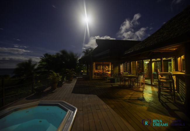 Coucher du soleil, Villa Varua Dream location saisonnière sur l'île de Moorea, Polynésie Française