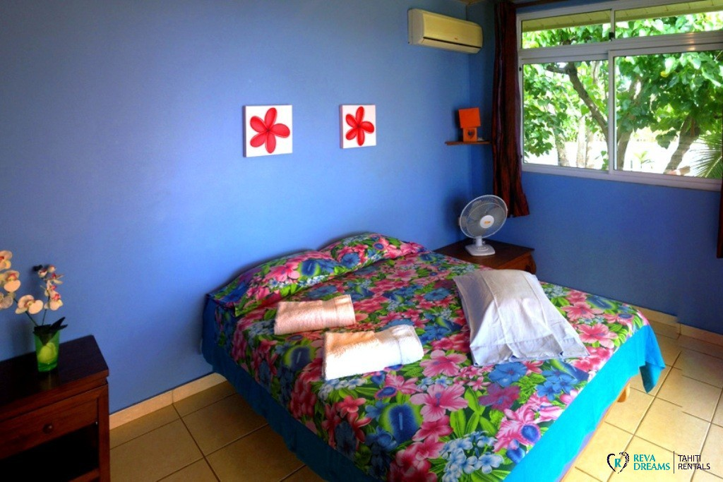 Fare taina nui location de vacances moorea for Chambre 13 tahiti plage mp3