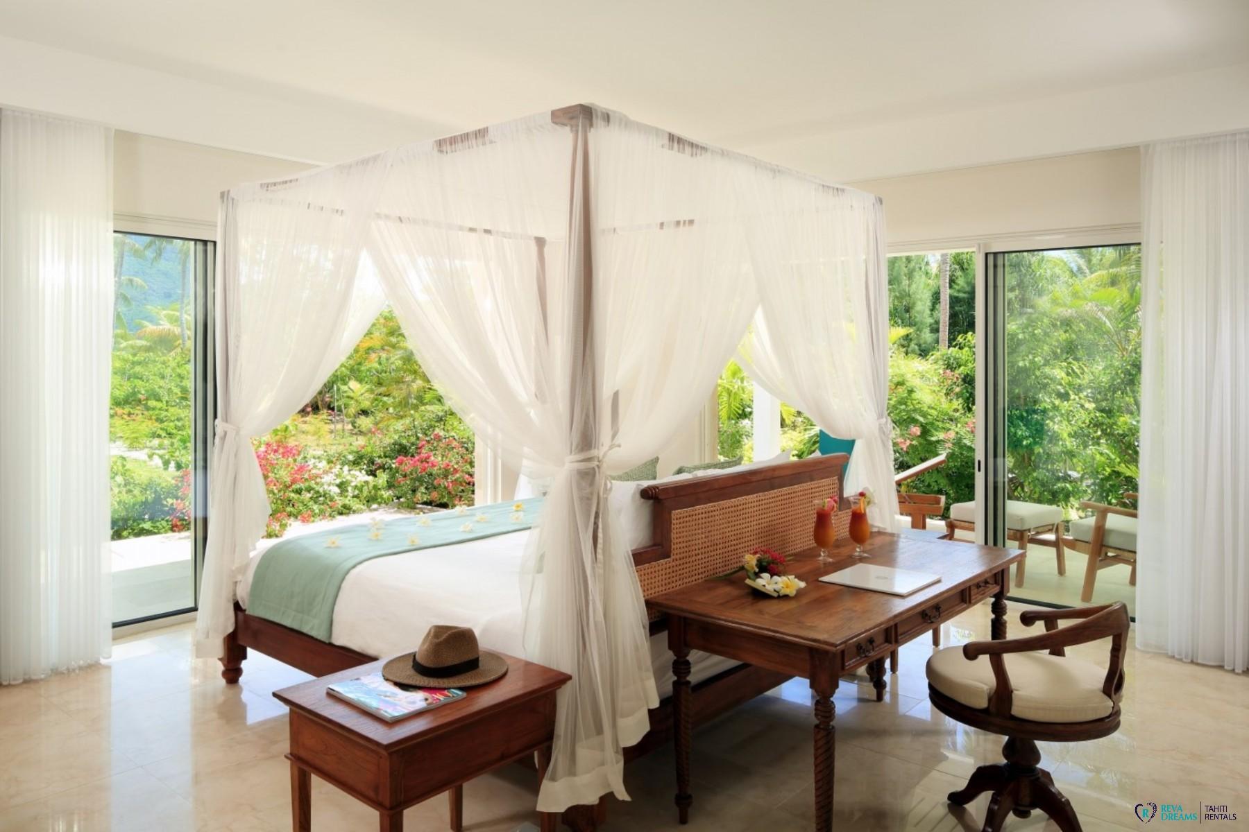Chambre à Coucher En Bois Exotique : Lit baldaquin bois exotique awesome couleur pour chambre